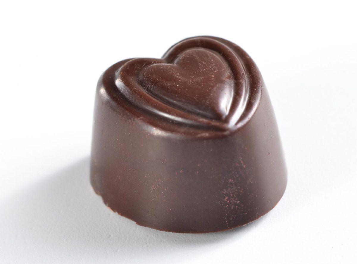 פרלין לבבות שוקולד מריר
